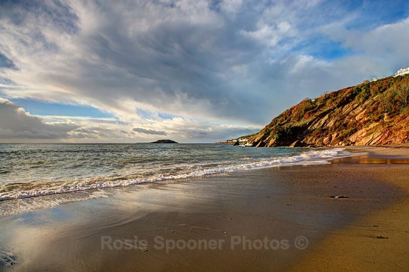 Early morning at Millendreath looking towards Looe island - Looe in Cornwall