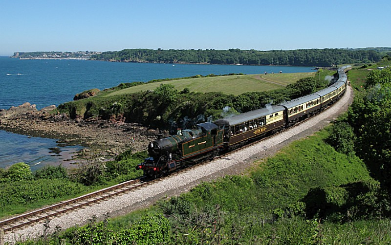 TR02 Steam travelling between Kingswear and Paignton - GREETINGS CARDS - Trains
