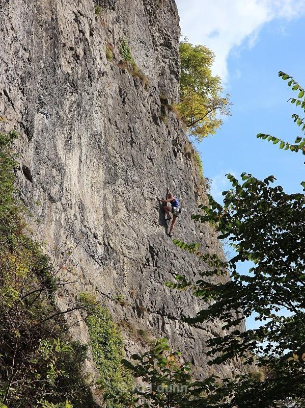 Stoney Middleton Crags - Peak District